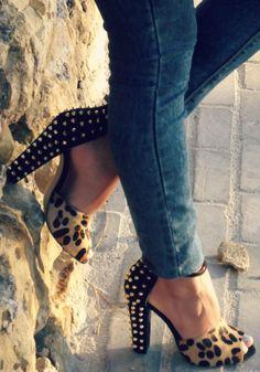 Shoes by Zara. Cute. #bluedivagal, bluedivadesigns.wordpress.com
