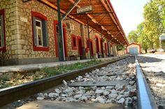 Καλαβρυτα Σταθμός Railroad Tracks, Greece, Places To Visit, Cabin, House Styles, Photos, Home Decor, Greece Country, Pictures