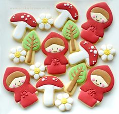Little red riding hood cookies, these are the very first fairy tale set that I ever made, my fave part is actually decorating the mushrooms! Royal Icing Cookies, Cupcake Cookies, Sugar Cookies, Rapunzel Birthday Party, Pig Birthday, Cake Pops, Red Riding Hood Party, Red Ridding Hood, Spice Cookies