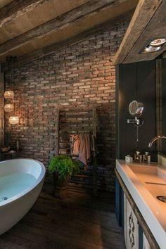 26 Stylish Bathroom Design Ideas With Brick Walls And Ceilings Brick Bathroom, Cozy Bathroom, Wooden Bathroom, Simple Bathroom, Ideas Baños, Dark Bathrooms, Brick Interior, Toilet Design, Industrial House