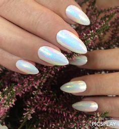 Mermaid New Pearl, czyli pyłek syrenki 😍 Zainspiruj się i stwórz swoją stylizację! https://nailscompany.eu/pl/mermaid-pylek-syrenki-new/2899-mermaid-efekt-syrenki-new.html?search_query=new+pearl&results=1