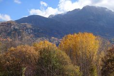 Otoño. Mandilar (2212 metros) y Peña Blanca (2555 metros)