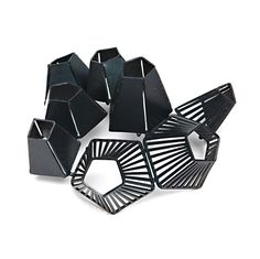 Modern Jewelry // Maureen Faye-Chauhan, brooch - great form, lines and a beautiful black finish.