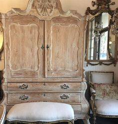 In the shop today, rearranging & creating! We have some beautiful new inventory coming soon, I am having a hard time containing myself, I would love to keep it all!!! #fullboomcottage #antiques #french #europeanantiques