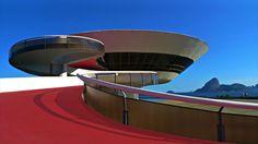 Contemporary Art Museum. Niterói, Rio de Janeiro, Brazil - Oscar Niemeyer (1991)