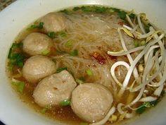 Thai Noodle Soup Recipe | soup noodle1 Thai Food Recipe: Gwit Diow Soup (Noodle)