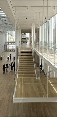 Art Institute of Chicago. Modern Wing suspended staircase.