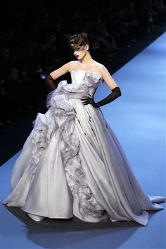 Another stunning gown from John Galliano for Dior Haute Couture