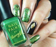 Emerald Spray Water Marble Nail Art | Totally Nailed