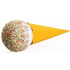 Ijsje surprise maken pakket. Compleet basis bouwpakket om een ijsje surpise te maken. Dit pakket bestaat uit de basismaterialen en instructies die u nodig heeft om een ijsje te knutselen van ongeveer 90 x 33 cm, zoals op de 1e afbeelding. Daarna kunt u de surpise naar eigen wens versieren en personaliseren. Extra nodig: - Lijm - Plakband/tape Ruimte voor kado: In de schoolzak. Deze heeft een lengte van 68 cm. De bol van 30 cm is hol en hier zou dus ook een klein kadootje in kunnen van…