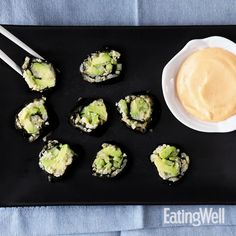 Use cauliflower rice to turn classic cucumber-avocado sushi into a low-carb snack, lunch or appetizer. This roll is vegetarian-friendly and a no-egg mayo makes Low Carb Sushi, Healthy Sushi, Veggie Sushi, Healthy Snacks, Low Carb Vegetarian Recipes, Vegetarian Cooking, Vegan Recipes, Vegetarian Snacks, Vegan Sushi Rolls