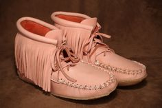 Deerskin fringe ankle moccasin with a crepe sole. This style comes in pink, cream, brown, and black. Fringe Fashion, Deerskin, Daily Fashion, Moccasins, Black Leather, Footwear, Canada, Flats