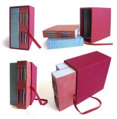 2 livros e uma caixa by Zoopress studio, via Flickr