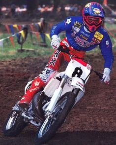 The baddest of the bad, Damon Bradshaw on the gas at Kenworthy's in 1990 on his Mike Chaves-tuned - 📷 Yamaha Motocross, Motocross Racer, Ford Sport Trac, Mx Racing, Beast From The East, Off Road Bikes, Vintage Motocross, Dirtbikes, Vintage Bikes