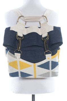 The Retro Rucksack sewing pattern by Radiant Home Studio is a vintage style rucksack with adjustable straps that can be worn as a backpack or shoulder bag. Sewing Projects For Beginners, Sewing Tutorials, Sewing Tips, Tutorial Sewing, Sewing Hacks, Modern Sewing Patterns, Leftover Fabric, Retro Pattern, Love Sewing