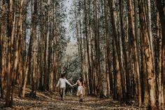 KAREN E DANILO Ensaio de casal em Holambra Field Of Sunflowers, Photoshoot, Wedding Photography, Beautiful Landscapes, Married Couple Photos, Shots Ideas, Field Of Flowers