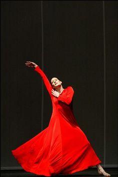marie agnes gillot in pina bausch ballet
