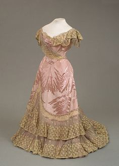 1898 pink and gold dress for Maria Feodorovna of moiré with a woven silk pattern, chiffon and lace by Worth (Hermitage).
