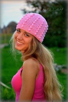 Luxurious Merino and Cachemire pink puff hat. Spring or autumn use. Also for warm winters. Luxury crocheted hat. Material: MeRiKash (55% merino,