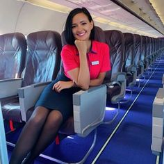 Welcome back to the very beautiful thanks for sharing your photo with us Black Pantyhose, Black Tights, Pantyhose Outfits, Nylons, Sistema Solar, Beauty Cabin, Cute Travel Outfits, Good Looking Women, Flight Attendant