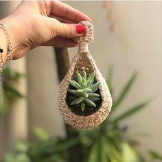 115 classic yet simple diy crochet ideas – Macrame Crochet Diy, Crochet Home, Crochet Ideas, Simple Crochet, Macrame Design, Macrame Art, Macrame Projects, Diy Macramé Suspension, Crochet Plant Hanger
