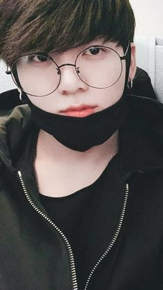 Jungkook w/ specs 041318 Bts Jungkook, Namjoon, Seokjin, Jung Kook, Foto Bts, Btob, Mamamoo, K Pop, Bts Concept Photo