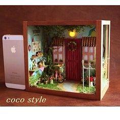 """coco på Instagram: """"絵本の1ページをイメージしたBOX型ドールハウスを作りました😊💖✨ ショップ出品中です💕✨ プロフィールのブログからショップに飛べます✈️ ブログで他のpicも紹介しています🌼 是非、ご覧ください。"""""""