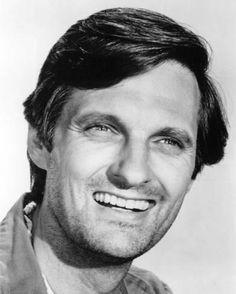 Mash Alan Alda Classic Smile As Hawkeye Photo Or Poster Hollywood Men, Hooray For Hollywood, New Actors, Actors & Actresses, Alan Alda Mash, Actor Photo, Director, Old Movies, Actresses