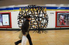 """María Concepción González: """"OIA"""" Primer Premio. Proyecto Línea Zero. #Metro de #Madrid #Legazpi (31 Diciembre) #RegalosSuburbanos La Galería de Magdalena. #ArteUrbano #StreetArt #Art #Arte #Arterecord 2014 https://twitter.com/arterecord"""