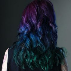 I LOVE this one! So stunning! Peacock hair color trend is gorgeous and captivating: Double peacock