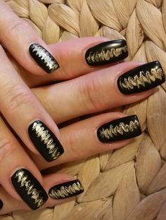 Naildesign: black & gold