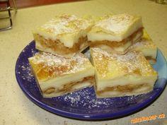 Jabl.řezy s pudinkem a piškoty  listové těsto 500g,4-5 jablek nastrouh.,piškoty,2 vanil.pudinky,cukr,vanilkový cukr,skořici,750ml mléka  POSTUP PŘÍPRAVY  1/2 list.těsta rozválíme,přeneseme na plech,poklademe piškoty,jablky,posypeme cukrem,skořicí,zalijeme uvařeným pudinkem.druhou 1/2 list.těsta rozválíme,položíme na pudink,potřeme vajíčkem a šup do trouby. Czech Recipes, Ethnic Recipes, Cooking Recipes, Healthy Recipes, Sweet Recipes, French Toast, Bakery, Cheesecake, Goodies