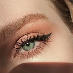 ___________________ mascara haute & naughty glitter diamond dew rose goals gel eyeliner - Make-up Beautiful Eye Makeup, Cute Makeup, Pretty Makeup, Beautiful Eyes, Simple Makeup, Prom Makeup, Casual Eye Makeup, Awesome Makeup, Easy Makeup