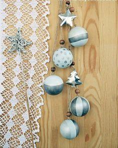 Новогодняя интерьерная подвеска из деревянных шариков. Сделаю на заказ. Hand decorated wooden hanging Christmas ornaments. Custom order is possible. #christmashandmade #christmashandmadedecorations #christmasornaments  #handmadechristmas #scandinavianstyle #scandinavianchristmas #ecostyledecor #scandinaviandecor #rusticdecor #rusticstyle #newyeardecor #новогодниеукрашения #новогоднийдекор #экостиль #стильрустик #скандинавскийстиль #новыйгодручнойработы #шарикинаелку #daysandcrafts