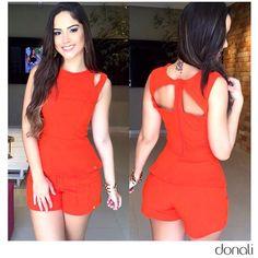Nossos detalhes não param de encantar às nossas #DonaliGirls. ❤️❤️    #Desire #love #lookoftheday #ootd #festas #fashion #ootd
