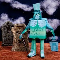 Hatbox Ghost Papercraft (My fellow Disney geeks will FLIP for this.)