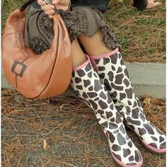 giraffe rain boots...cool!