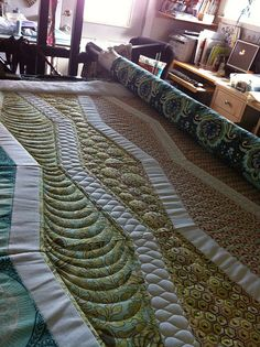 one of my favorite longarm quilters at work!