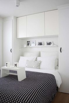 Astounding Small Bedroom Storage Ideas in Contemporary Bedroom with Black Colored Blanket whi. Astounding Small Bedroom Storage Ideas in Contemporary Bedroom with Black Colored Blanket which has Little White Dots Small Bedroom Storage, Small Master Bedroom, Small Bedroom Designs, Storage Spaces, Closet Storage, Small Bedroom With Wardrobe, Small Storage, Extra Storage, Bedroom Storage Ideas For Clothes