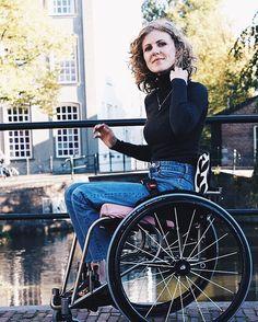 recherche femme en fauteuil roulant