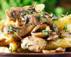 Gratin de pâtes aux champignons : http://www.fourchette-et-bikini.fr/recettes/recettes-minceur/gratin-de-pates-aux-champignons.html