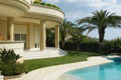 Τριώροφη κατοικία στη Βούλα | vasdekis Mansions, House Styles, Outdoor Decor, Projects, Home Decor, Mansion Houses, Homemade Home Decor, Villas, Fancy Houses