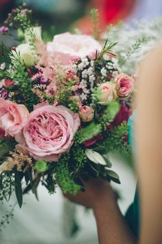 Blushing pink bouquet / Real Wedding: Jonathan + Nicola / Photographed by Lelia Scarfiotti (Instagram: the_lane)