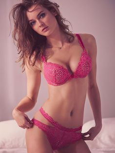 4fe62a7b42cb0 Victoria Secret Bra 32C Very Sexy Bombshell Plunge Adds 2 Cups Pink Lace NEW
