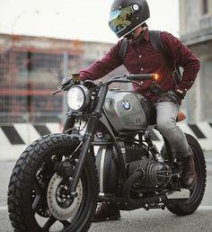"4,810 mentions J'aime, 13 commentaires - SAINT MOTORS Co.™ ☠️ 19⚡13 (@saint_motors) sur Instagram : "" by @vintage.room.motorcycles Photo by @zlatanovic.dragan #bmw #bmwamulet #bmwmotorrad…"""