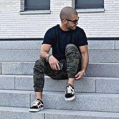 simple. fav. camo pants by @zanerobe _______ #kostawilliams