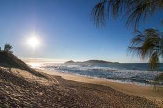 Praia do Campeche on Isla Florianópolis in the south of Brazil