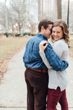 Rittenhouse Square Engagement Session by Alison Dunn Photography Philly In Love Philadelphia Wedding