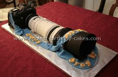 the groom's cake must be a 1d with a telephoto lens