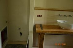 Stulatek Kubelków - Przebudowy i remonty - forum.muratordom.pl Sink, Bathtub, Vanity, Bathroom, Home Decor, Sink Tops, Standing Bath, Dressing Tables, Washroom